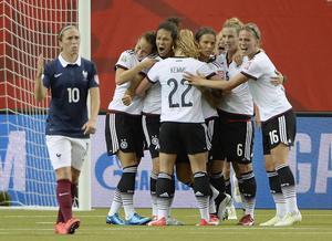 Tyskland till semifinal i fotbolls-VM efter drama.