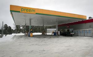 Sedan 2010 är butiken och bensinstationen Preem i Iggesund separata rörelser.