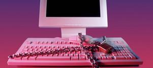 Delar du allt med din partner, lösenord och koder kan lätt missbrukas. Behöver vi lite privata hemligheter för våra kära?