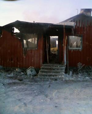 Det var inte mycket kvar av huset efter den kraftiga branden