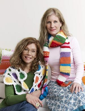 Galna i garn. Författarna Susanna Zacke och Sania Hedengren inspirerar.