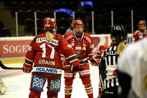 Erika Grahm och hennes lagkompisar får flytta på sig under Hockeyfesten i mitten på september.
