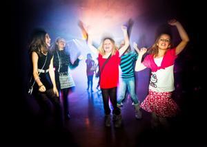 Jennifer Jansson, Moa Wernersson, Tuva Sundqvist, Mikaela Torsén och Alva Flink går i trean och rockade loss ordentligt på dansgolvet.– Nu ska vi dansa, ha kul, leka och vara med varandra. Jag tävlar i disco och hiphop, säger Jennifer.