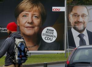 Både och. Kristdemokraten Angela Merkel och socialdemokraten Martin Schultz är huvudmotståndare i tyska valet. Samtidigt som deras partier regerar tillsammans!