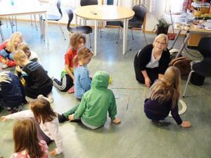 – Programmeringen ska in i skolan, ju förr desto bättre. menar läraren Karin Nygårds under sitt besök på Åre skola.