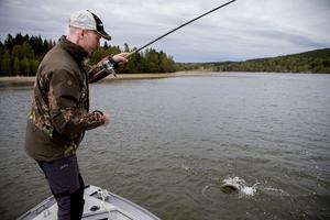 Tony Öberg är en rutinerad fiskeguide som lägger all sin fritid på fisket. Intresset började redan i unga år och har sedan växt sig starkare.