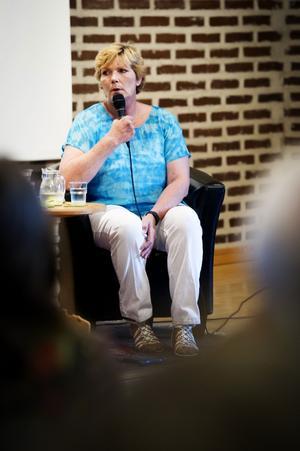 Efter 28 år i amerikanskt fängelse är Annika Östberg på fri fot och hon berättar nu om sitt liv.