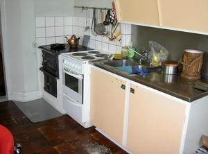 Det gamla köket i lärarbostaden, som blev badrum.