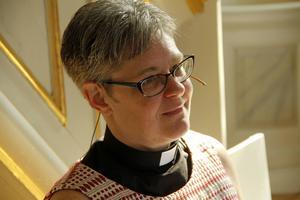 Kyrkoherde Sofia Aspling tror kyrkan måste anpassa sig för att få besökarna att komma.