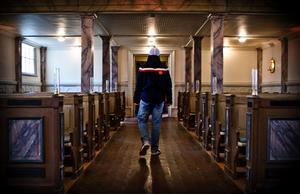 Rekordmånga lämnade Svenska kyrkan under 2016. I Dalarna var det 2 636 medlemmar som gick ur kyrkan.