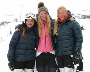 Elin Alkell, Elsa Håkansson-Fermbäck och Emeli Alkell gjorde fina prestationer i säsongens sista alpina tävling.