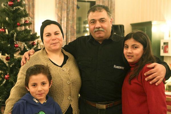 Salima Khalouta, Hussein Hasan, Farid Hasan Hasan och Meyave Hasan tyckte det var väldigt mysigt med julen.