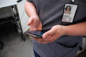 Ett stressmoment som personalen i hemtjänst grupp 1 i Krylbo upplevde var tekniken. Ibland fungerade den, ibland inte.