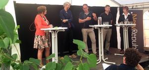 På plats i under Almedalsveckan ordnade Mittmedia ett seminarium och digitaliseringen av Sverige. I panelen från vänster: Eva Cooper, moderator, Hampus Brynolf, Mikael Ek, Per Lorentz och Gunilla Kindstrand.