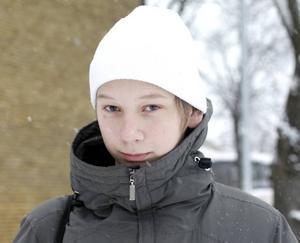 Viktor Eriksson, 16 år, går första året på Hotell- och restaurang.– Ja. Om någon får ett felaktigt betyg ska man kunna klaga tycker jag.