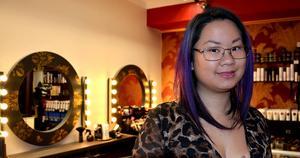 Dorion Chang äger Salong Barock på Storgatan i Sundsvall, men den 17 november klipper hon tillsammans med sin kollega Benjamin, behövande på Slink In helt gratis.