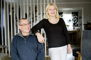 Harald och Lina Modig ägnar mycket tid åt det gemensamma bandyintresset.
