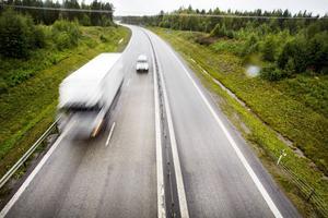 Åkeriet har inte redovisat kör- och vilotider, trots att Transportstyrelsen begärt det. Nu får de betala en vitesavgift på 140 000 kronor.