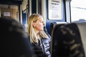 Matilda Öhman tog på torsdagen tåget från Ljusdal för att träna och umgås med laget inför finalen i kväll.