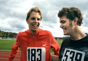 Bästa kompisarna Robin Lundell och Christian Carlsson tycker att det är kul med friluftsdag.
