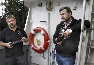 Norrtäljedykarna Peter Lindberg och Dennis Åsberg från Ocean X Team hoppas nu att bärgningsprocessen kan komma i gång så snart som möjligt.
