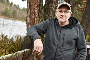 Leif Wiberg berättar att hans farfar startade företaget år 1893 intill älven då man behövde närheten till vatten när man bedrev ett garveri.