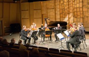 Nordiska Kammarensemblen är elva musiker stark. I den här konserten var nonetten den största konfigurationen - som lät maffigt efter de mindre ensemblerna.