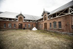 Ladugården med all snickarglädje  från 1897.
