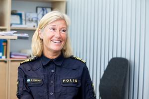 – Jo, hon tycker ju att hon räddat mig, säger Elisabeth Anestad om syrran som drog igång kampanjen Rädda en stockholmare.
