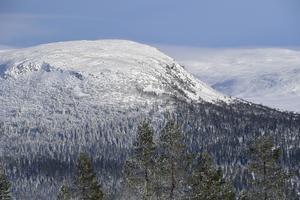 Nipfjället i sol och snö på måndagen i Idre.