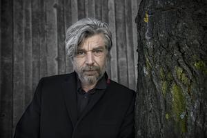Karl Ove Knausgård får Svenska Akademiens nordiska pris. Foto: Malin Hoelstad/SvD/TT