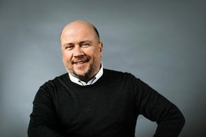Författaren Torbjörn Elensky. Pressbild: Kajsa Göransson