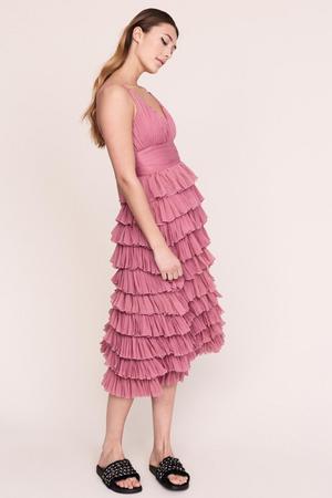 13. Uppklädd. Hur snyggt skulle det inte vara med studentmössan till den här rosa drömmen?