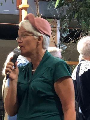 Konferencier Elna Berglind.