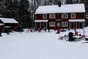 Innan vintern är över tros mer än 1 000 skolbarn ha besökt för att träna och lära sig åka längdskidor.