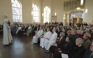 Invigningsgudstjänst  första advent 2001.