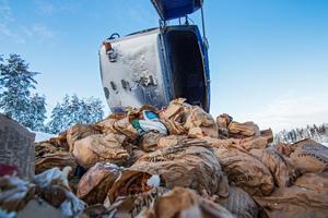 Sophanteringen är dyr i kommunen, särskilt med tanke på felsorterat avfall, skriver Sören Eriksson.