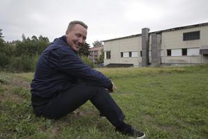 """Som delägare i """"Seco-fastigheten"""" är Mattias Fagerheim glad över att Kjell Hägg nu verkar ha lagt ned stridsyxan."""