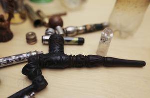 Polisen har beslagtagit mängder med pipor vid olika tillslag.