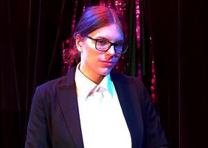 Som en programpunkt under Fagersta Pride ska skådespelaren Emma Westberg framföra Föreställningar på hemmascenen på Norrby teater. Foto: Tua Lundgren
