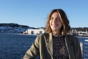 Amanda Aasa är Ö-viks-tjejen som reste Norrland runt och deltog i musik- och talangtävlingar lite var stans. Som 17-åring lämnade Örnsköldsvik men är åter på hemmaplan och studerar på Musikmakarna.