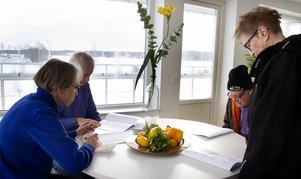 Det kom många som vill titta på lägenheten och utsikten över Hudiksvallsfjärden.