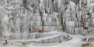I italienska Carrara bryts nu marmor 20 gånger snabbare  än för en generation sedan. Foto: NonStop Entertainment