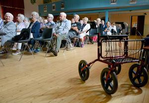 Erikslunds Folkets hus fylldes till så gott som sista stol när kommunens pensionärer samlades till årets seniordag.