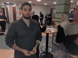 Georgios Kalyvas från Grekland var en av de som passade på att söka jobb. Han har studerat sex terminer på läkarprogrammet vid Örebro universitet, men får inte längre CSN-lån, och måste nu jobba ett tag innan han kan avsluta sin utbildning.