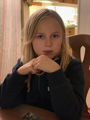 Speltestaren Elisabet, 8 år.