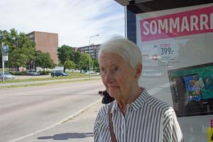 Christel Höök är skeptisk mot att politikerna tänkt om när det gäller antalet lägenheter på Hammarby, om det verkligen blir så.