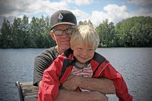 Nils Turneys sjukdom har blivit påtaglig även för barnen, som oroar sig för att de ska tappa bort pappa. Walter (på bilden) är fem år och storasyster Julia åtta år.