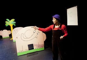 Fem myror är fler än fyra elefanter spelades flitigt på Oktoberteatern. Arkivfoto: Paola N Andersson