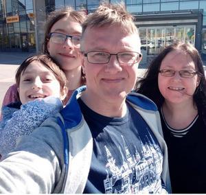 David, Gustav, Mattias och Jenny Kjellin gillar att göra utflykter.
